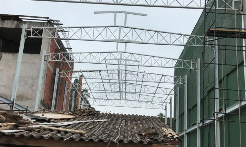 Estruturas Metálicas no Centro de Embu Guaçu