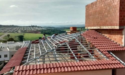 Estrutura de aço para telhado residencial