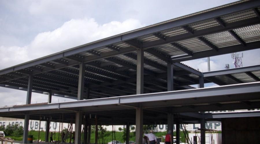 Fabricação de coberturas metálicas